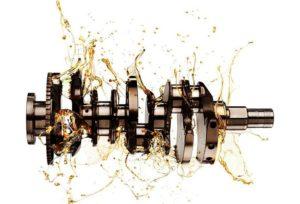 Моторное масло в двигателе